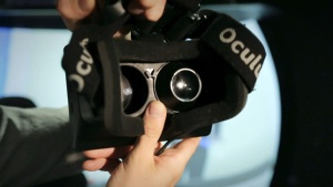 Oculus-Rift-virtual-reality_dezeen_01_644